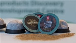 Les capsules développées par des chercheurs de l'Université de Guelph sont compostables.