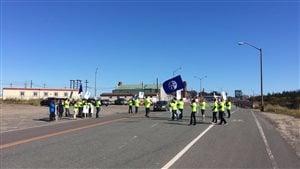 Manifestation des employés de bureau d'ArcelorMittal à Port-Cartier