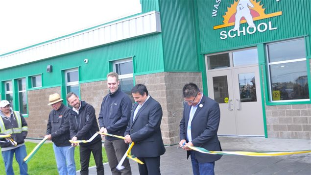 Le village autochtone de Fort Severn inaugure sa nouvelle école - ICI.Radio-Canada.ca