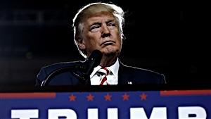 Les médias américains se laissent-ils prendre au jeu de Trump?