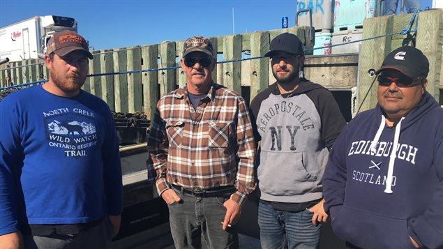 Naufrage au large de Saint-Louis-de-Kent : des pêcheurs indemnes, mais ébranlés - ICI.Radio-Canada.ca