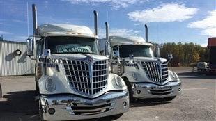 Des camions