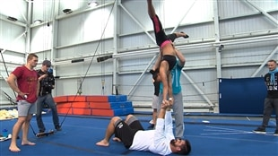 Laurent Duvernay-Tardif au Cirque du Soleil