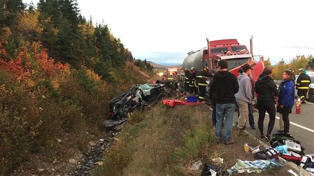 Violente collision impliquant un camion-citerne à Petite-Rivière-Saint-François