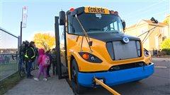 La CSDM présente son premier autobus électrique