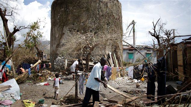 une semaine apr u00e8s l u0026 39 ouragan matthew  le peuple d u0026 39 ha u00efti se sent livr u00e9  u00e0 lui