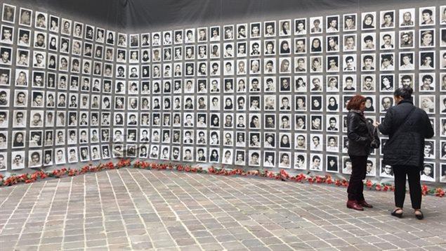 Photos d'Iraniens qui auraient été exécutés par le régime en 1988