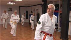 Combattre le Parkinson en faisant du karaté