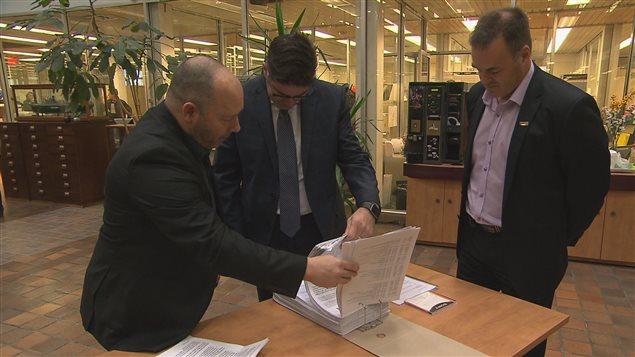 La pétition a été remise à Gervais Jacques de Rio Tinto