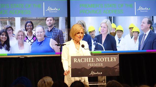 La première ministre albertaine Rachel Notley