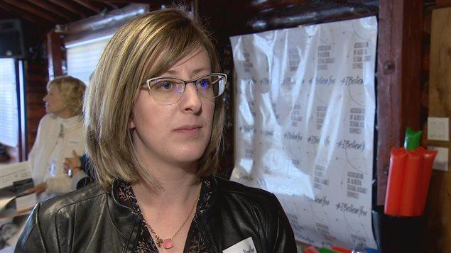 Stephanie McLean, ministre du Statut de la femme de l'Alberta.