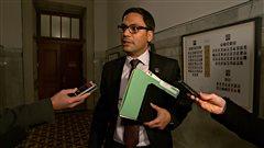Allégation d'agression sexuelle: le député Sklavounos se retire du caucus libéral