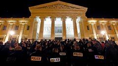 La colère des policiers français ne faiblit pas