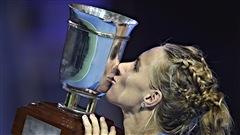 Kuznetsova gagne à Moscou et sera des finales de la WTA