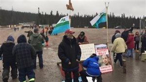 Des manifestants se sont infiltrés sur le site de Muskrat Falls, samedi après-midi.