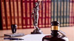 Grève des notaires et des avocats de l'État: des perturbations prévues lundi