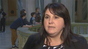 La députée néo-démocrate Nicole Rancourt dit que le gouvernement saskatchewanais devrait mieux financer le refuge pour sans-abri Lighthouse de Saskatoon.
