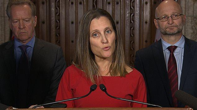La ministre Chrystia Freeland, justifiant la décision du Canada de quitter les négociations sur le libre-échange menées avec l'Union européenne.