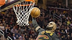 LeBron James et les Cavaliers brillent en ouverture