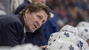 L'entraîneur des Maple Leafs de Toronto Mike Babcock
