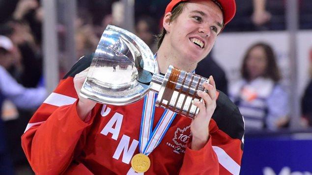 Connor McDavid, étoile du hockey junior au Canada.