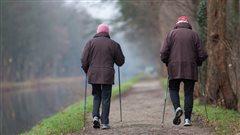 Marcher peut réduire la perte de mémoire chez les aînés