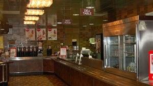 La cafétéria Prairie View de l'édifice T.C. Douglas ferme ses portes.