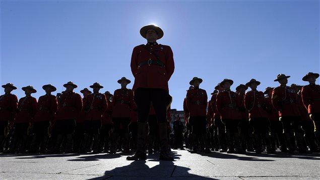 Des policiers de la GRC, lors d'une cérémonie sur la Colline parlementaire, le 25 septembre dernier.