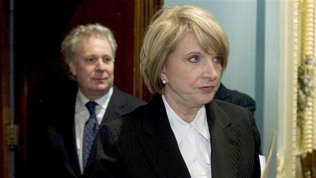 Monique Jérôme-Forget, alors ministre des Finances du Québec, et le premier ministre Jean Charest en 2009