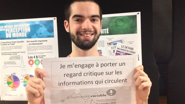 À l'UQAR, des étudiants s'engagent à développer un esprit critique face à l'actualité internationale.
