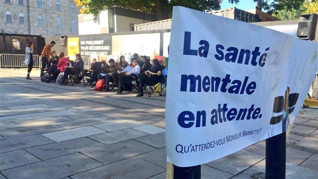 Les doctorants en psychologie ont manifesté devant l'Assemblée nationale le 6 octobre.