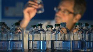 Des bactéries téléguidées qui transportent des substances chimiothérapiques jusqu'au cœur des tumeurs cancéreuses