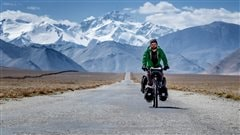De L'Orignal au Vietnam:le parcours de Jonathan B. Roy à vélo