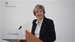 Brexit : Theresa May se fait plus claire... et menaçante