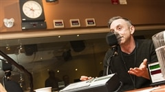 Le retour inattendu du danseur Sylvain Émard à 61 ans