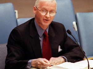 Robert Fowler aux Nations unies en mars 2000.