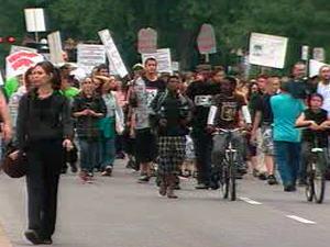 Marche à la mémoire de Fredy Villanueva, dans Montréal-Nord.