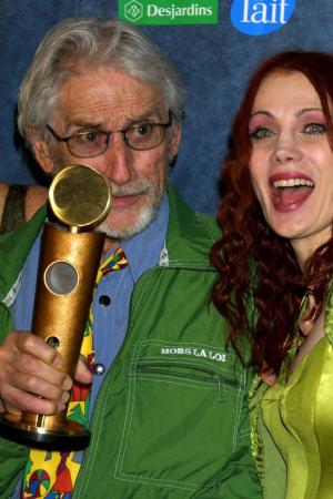 Gilles Carle et Chloé Ste-Marie, lors de la remise de son Jutra-hommage, le 25 février 2001