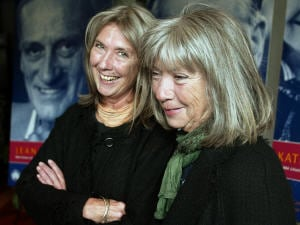 de gauche à droite: Kate et Anna McGarrigle, en 2004