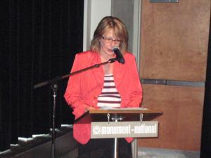 La ministre de la Culture, Christine St-Pierre, lors de la remise du rapport du Comité L'Allier, le 9 avril 2010.