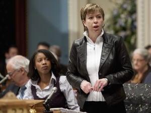 La ministre Dominique Vien à l'Assemblée nationale