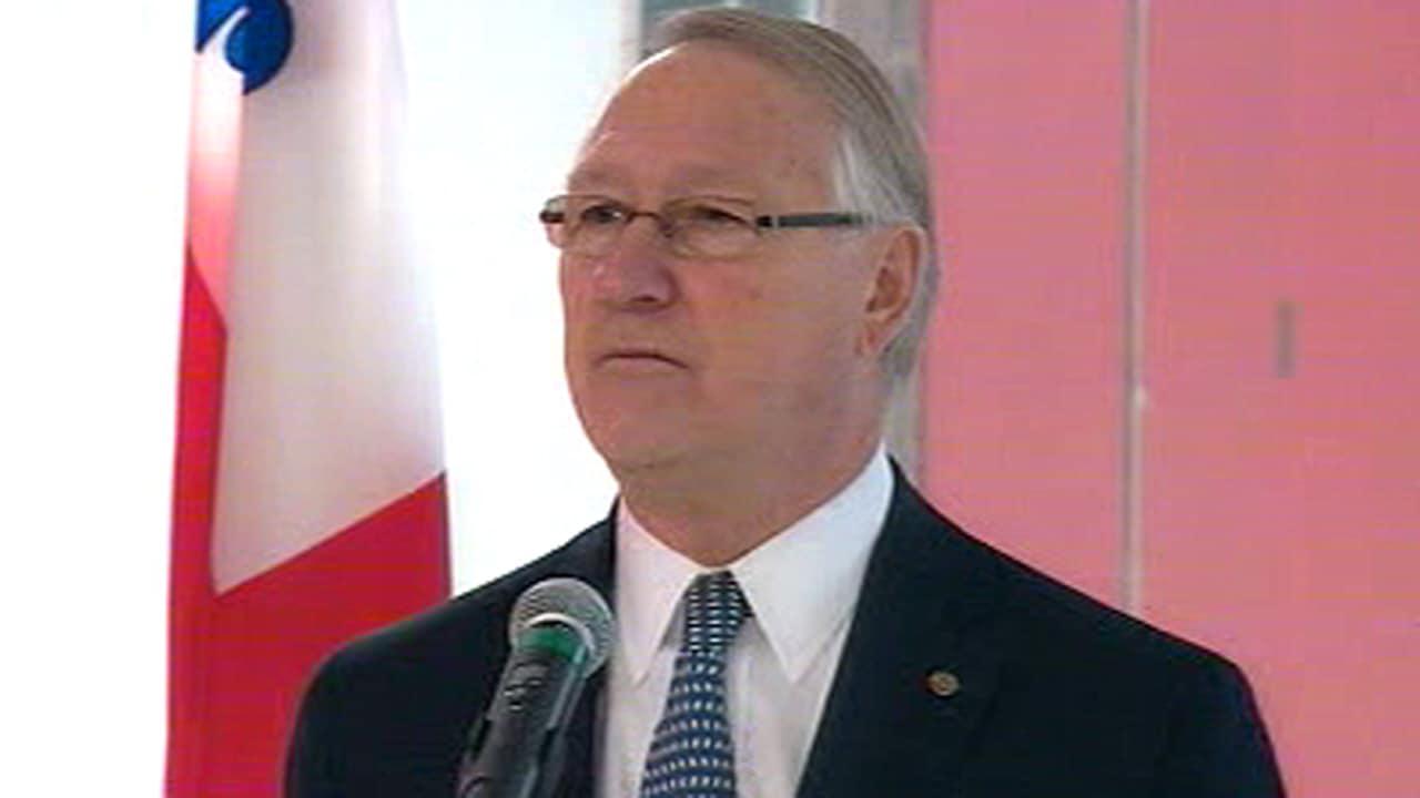 Le maire de Montréal, Gérald Tremblay, après la cérémonie de réouverture de l'aréna Camillien-Houde