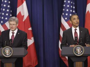 Stephen Harper et Barack Obama, en conférence à Washington, le 4 février 2011