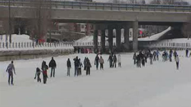 ouverture du bal de neige ici radio. Black Bedroom Furniture Sets. Home Design Ideas