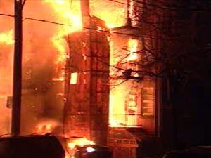 Incendie sur Saint-Michel, coin Dandurand