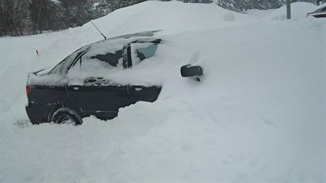 Les automobilistes ont eu beaucoup de boulot pour déneiger leur véhicule.