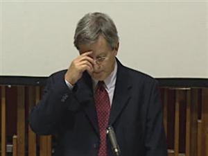 Le maire Jean Tremblay fait la prière