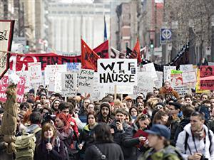 Manifestation étudiante à Montréal contre la hausse des frais de scolarité, le 31 mars 2011.