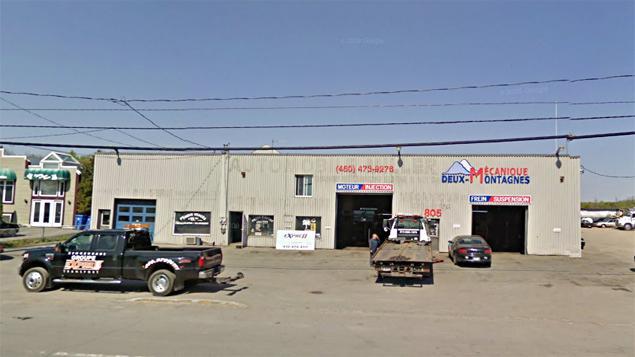 Incendie chez un recycleur de pi ces d 39 auto usag es de for Garage auto st genest lerpt