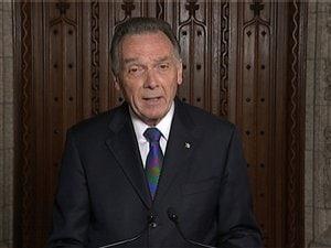 Le ministre Kent, annonçant officiellement aux Canadiens le retrait de Kyoto.